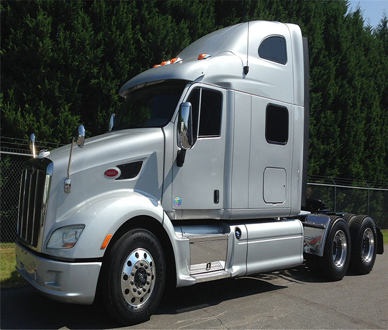2013 Peterbilt 587 Sleeper Truck - Used Truck for Sale - Wheeling Truck Center