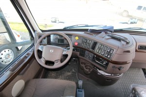Steering wheel and dash 2017 Volvo Truck VN670