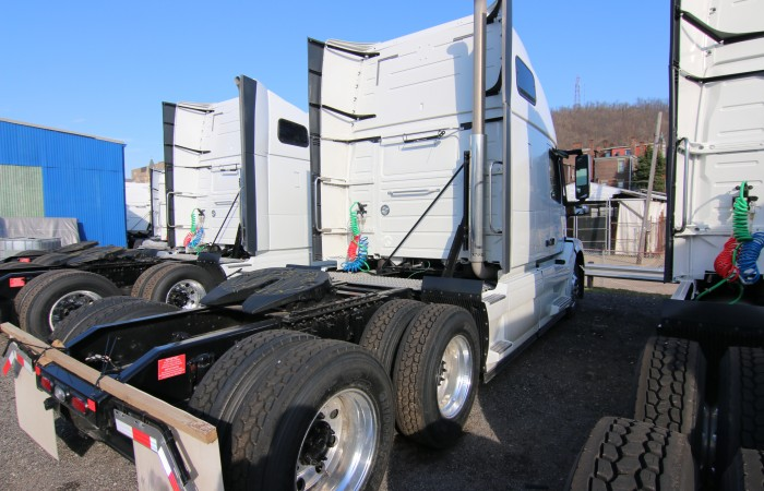 volvo truck vnl  truck  sale wheeling truck center