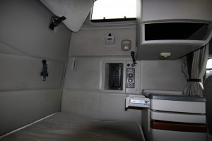 Sleeper Compartment - 2012 Volvo Truck VNL670