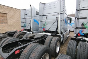 Back of Cab - 2012 Volvo Truck VNL64T670