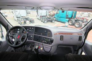 2013 Peterbilt 587 Interior