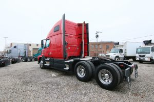2011 Volvo VNL64T670 Back of Cab