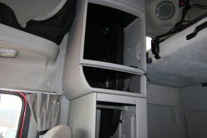 2011 Volvo Truck VNL670 Interior