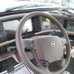 2016 Volvo VHD Steering wheel